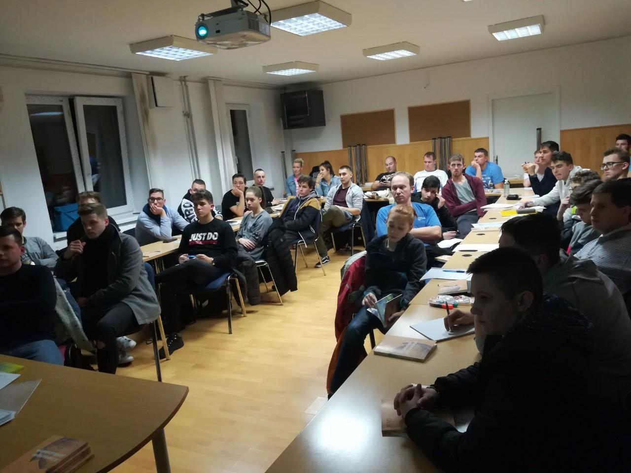 Komárom játékvezetői tanfolyam - forrás: mlsz.hu
