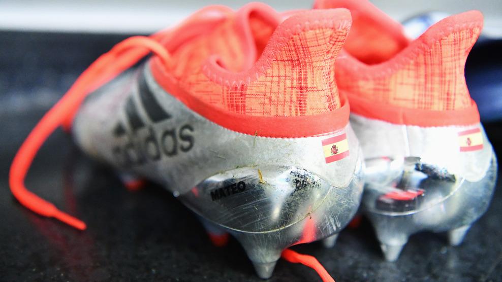 Adidas cípő - forrás: