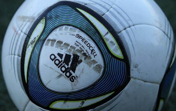 Adidas labda - forrás:
