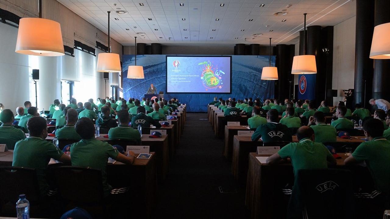 EB2016 - játékvezetők felkészülés - forrás: uefa.com