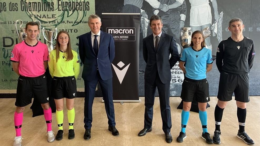 Macron mez - forrás: sportmarketing.hu