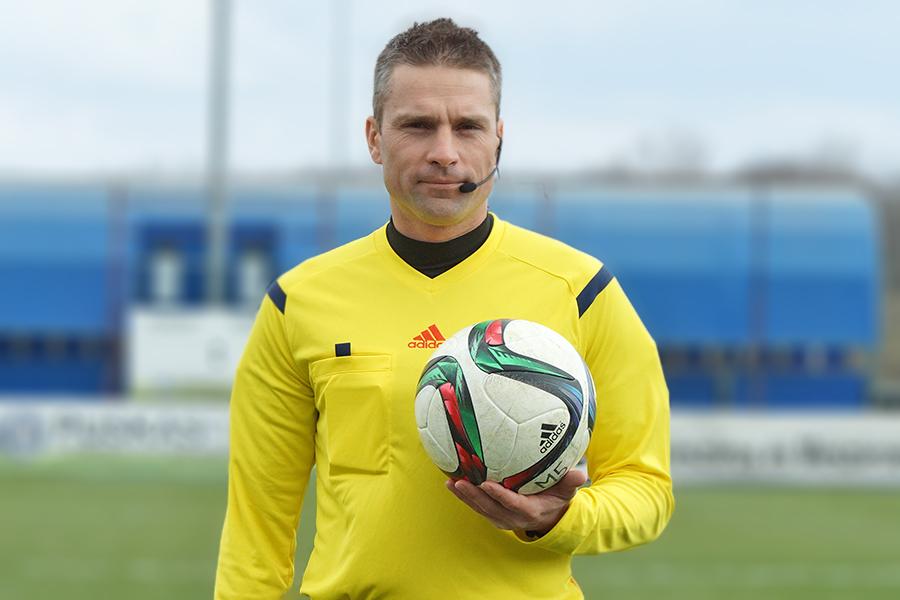 Pintér Csaba - labdával a kézben - forrás: vidi.hu